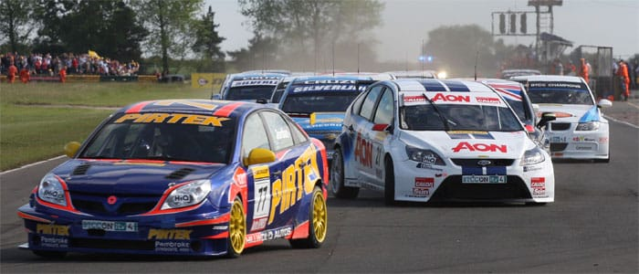 Andrew Jordan leads the field in to the first corner of Race 3 at Croft - Photo credit: BTCC.net