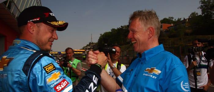 Huff celebrates Zolder pole - Photo credit: fiawtcc.com