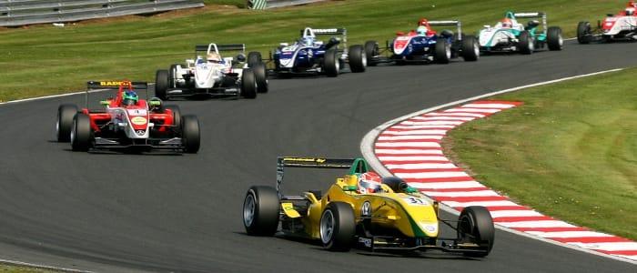 Felipe Nasr leads pack - Photo Credit: SRO