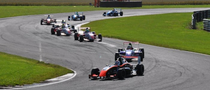Zamparelli Leads The Formula Renault BARC Field (Credit: Simon Paice)