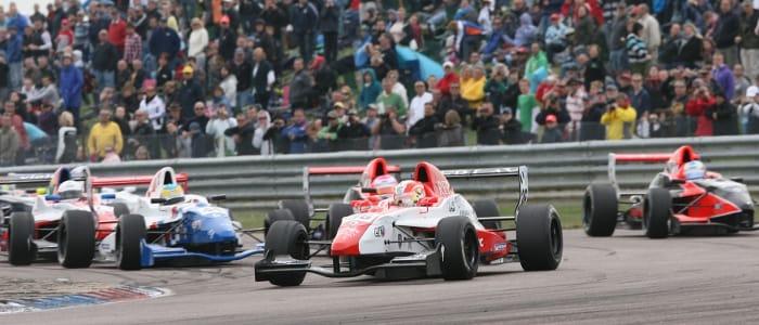 Alex Lynn in front of the Formula Renault UK field (Credit: Jakob Ebrey Photography)