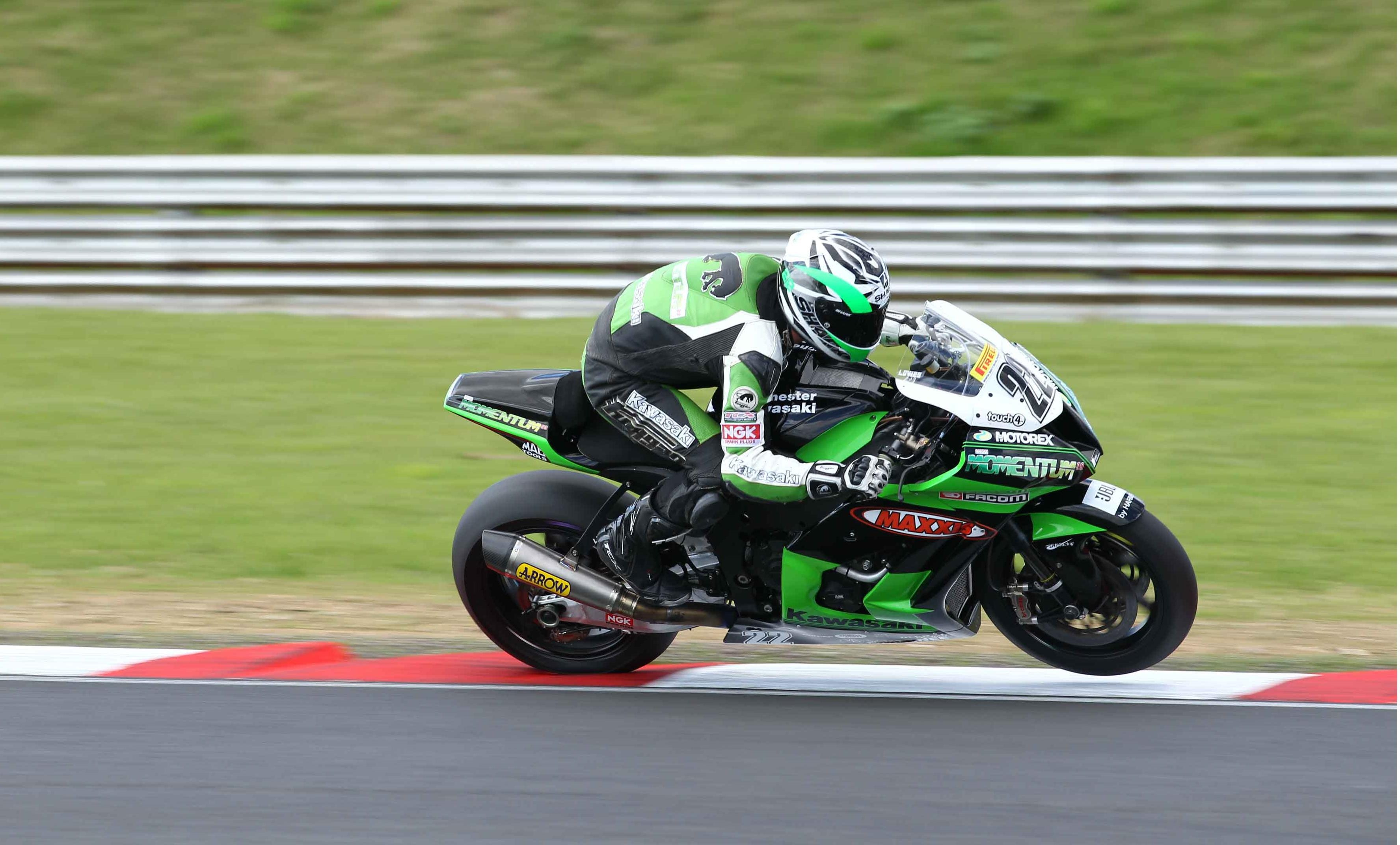 Alex Lowes at Snetterton - Photo Credit: MSS Colchester Kawasaki