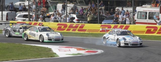 Kevin Estre tries to out-brake Rene Rast - Photo: Porsche AG