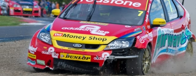 Mat Jackson's exit from Race 2 - Photo Credit: Jon Hobley