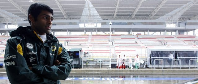 Chandhok watches the rain during FP1 in Korea - Photo Credit: Charles Coates/LAT Photographic