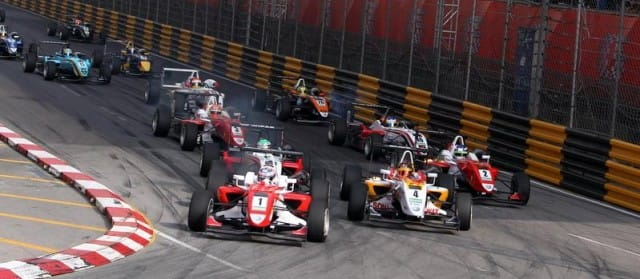 Start of the 2010 Macau GP - Photo Credit: F3Euroseries.com