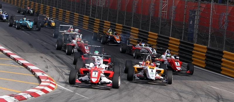 Start of the 2010 Macau GP - Photo Credit: F3Euroseries.com