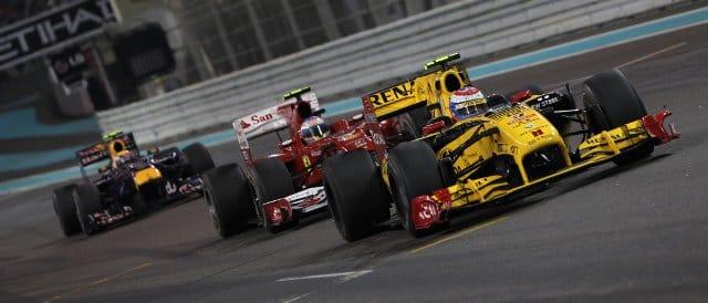 Vitaly Petrov kept Alonso behind him lap after lap in Abu Dhabi last season - Photo Credit: Lorenzo Bellanca/LAT Photographic