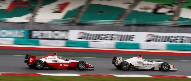 Vitaly Petrov leads Pastor Maldonado/GP2 Sepang - Photo: Andrew Ferraro/GP2 Series Media Service