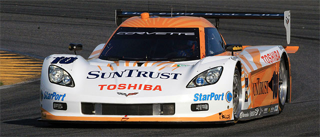 The #10 SunTrust Racing car started the race as favorites