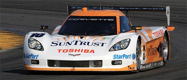The #10 SunTrust Racing car started the race as favorites