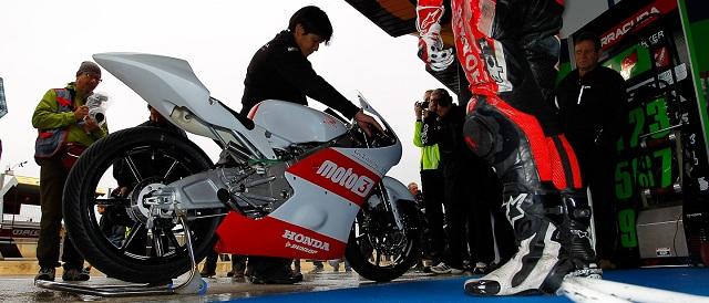 Alan Techer's Technomag-CIP Moto3 bike fires up at Valencia - Photo Credit: MotoGP.com