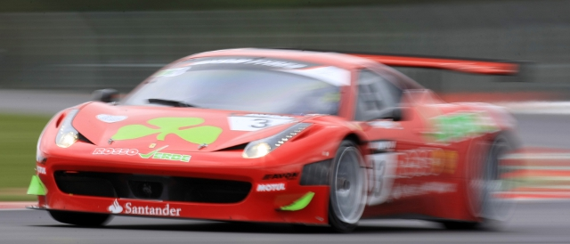 Rosso Verde ran a Ferrari 458 late in 2011, Hector Lester and Gordon Shedden sharing driving duties (Photo Credit: Jakob Ebrey)