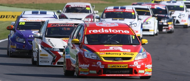 The BTCC pack streams around Brands Hatch last season (Photo Credit: btcc.net)
