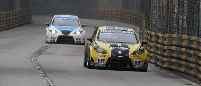 Monteiro will race alongside Oriola (behind) under the Tuenti banner - Photo Credit: fiawtcc.com