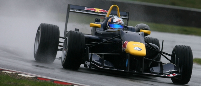 Carlos Sainz Jr. runs at a wet Snetterton (Photo Credit: Jakob Ebrey Photography)