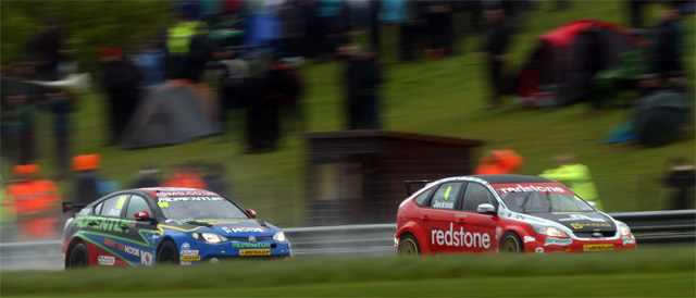 Jason Plato chases Mat Jackson in race 2 - Photo: BTCC.net