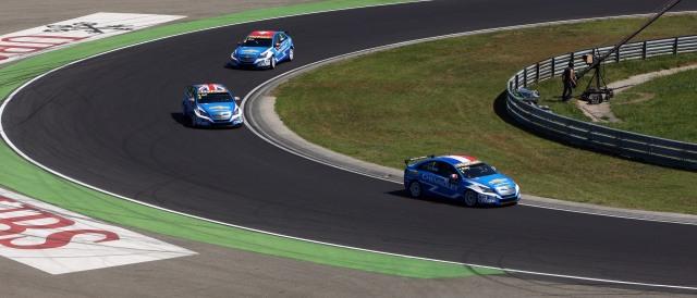 Yvan Muller, Rob Huff and Alain Menu - Photo Credit: WTCC Media