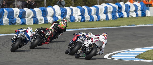 The second race at Donington saw some thrilling action - Photo Credit: Honda World Superbike Team