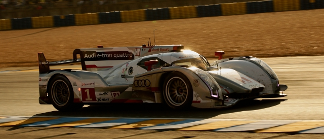 The #1 Audi R18 e-tron quattro on its way to victory (Photo Credit: Audi Motorsport)