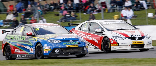 Title rivals: Jason Plato and Matt Neal (Photo Credit:btcc.net)