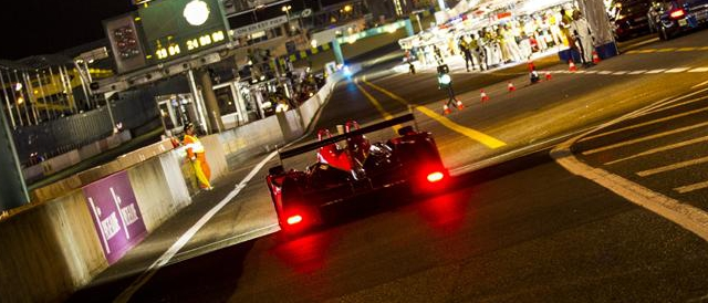 Night falls over the Circuit de la Sarthe (Photo Credit: Rolex/Stephan Cooper)
