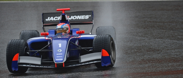 Kevin Magnussen battles against the Belgian rain (Photo Credit: Vincent Curutchet/DPPI)