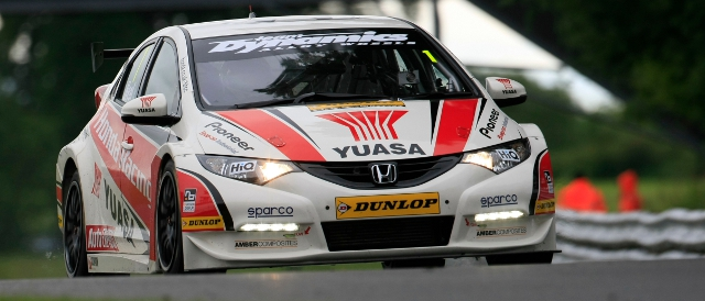 Neal led a Honda 1-2 with Andy Jordan's Pirtek car second (Photo Credit: btcc.net)
