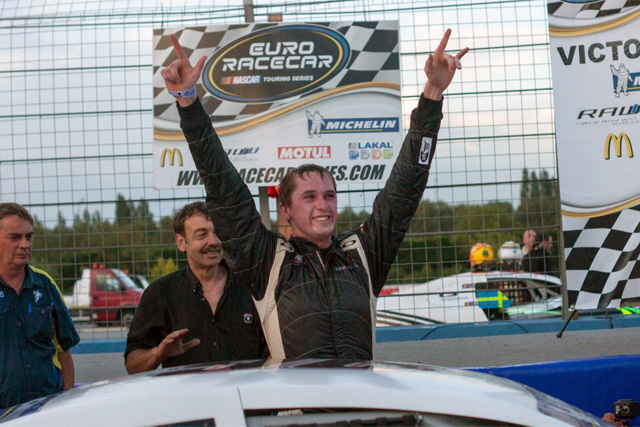 Ben Kennedy celebrates his historic win - Photo: Sylvain Deshaies