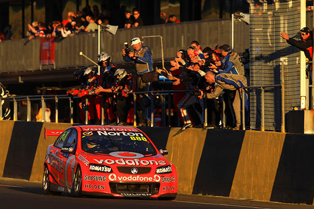 Craig Lowndes takes first spoils at Sydney Motorsport Park Photo credit: TeamVodafone