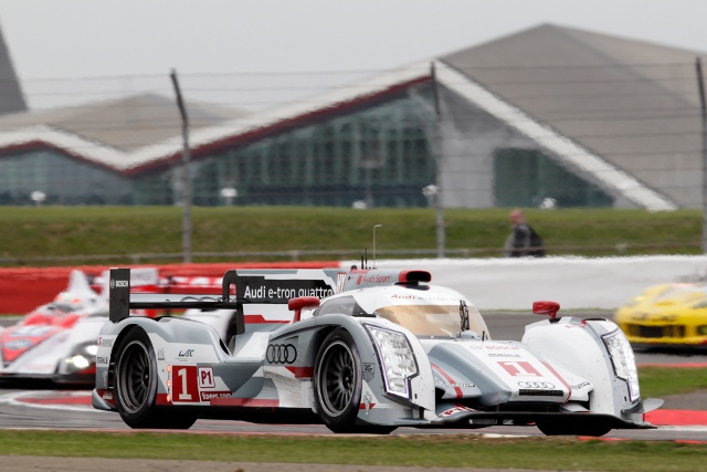 Benoit Treluyer beat Nicolas Lapierre for the best time in the first practice session (Photo Credit: Audi Motorsport)