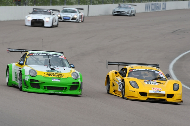 The tiny GT3 Chevron fights past a Porsche. Soon to be a common sight? (Photo Credit: Jakob Ebrey Photography)