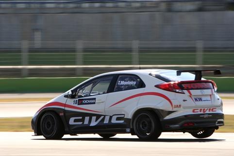 Honda Civic WTCC - Photo Credit: Honda