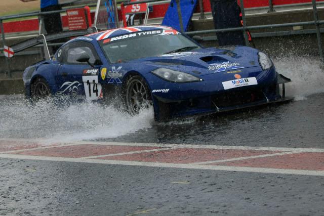 Stark Racing's Ginetta G55 splashes down pitlane (Photo Credit: Jakob Ebrey)