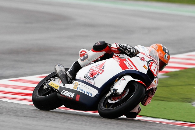 Gino Rea's luckless weekend at Misano continued with a faulty tyre causing him to crash during Saturday's qualifying session