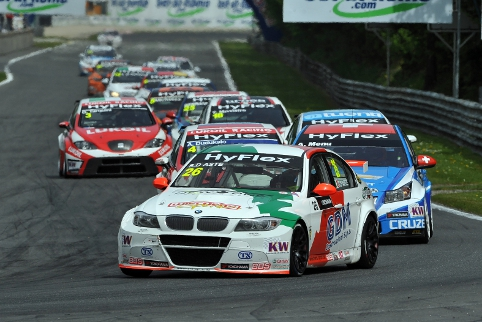 When the works Chevrolets dropped one by one D'Aste seized the lead on the final corner (Photo Credit: fiawtcc.com)