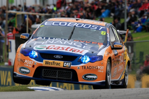 Davison resisted pressure from the V8 Supercars' best (Photo Credit: Ford Performance Racing)