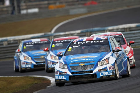 Rob Huff beat his Chevy teammates to take hist first WTCC title (Photo Credit: fiawtcc.com)