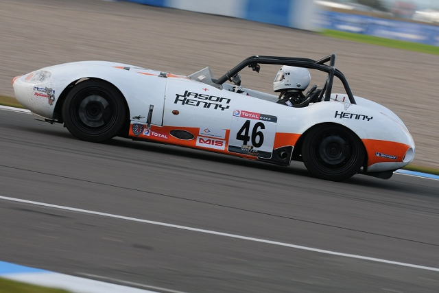 Kenny drove a G20 in the Ginetta Challenge finale at Donington Park (Photo Credit: Jakob Ebrey Photography)