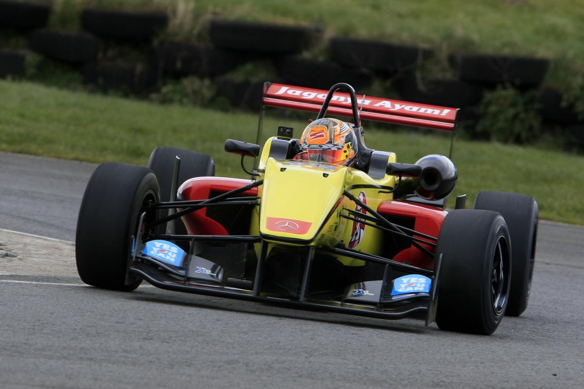 Sean Gelael - F3 Test, Pembrey
