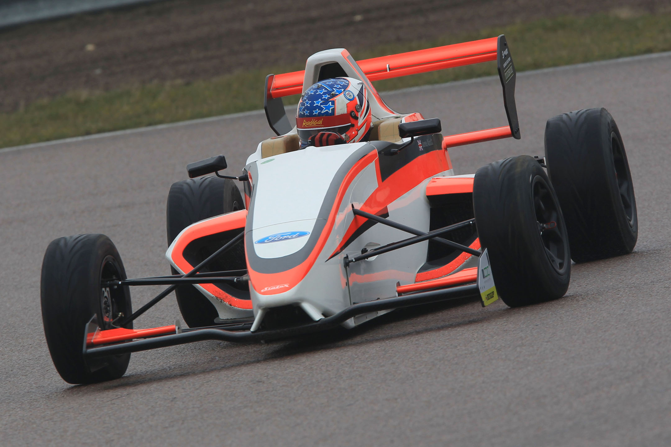 Sinter Chassis Makes Successful Track Debut The Checkered Flag