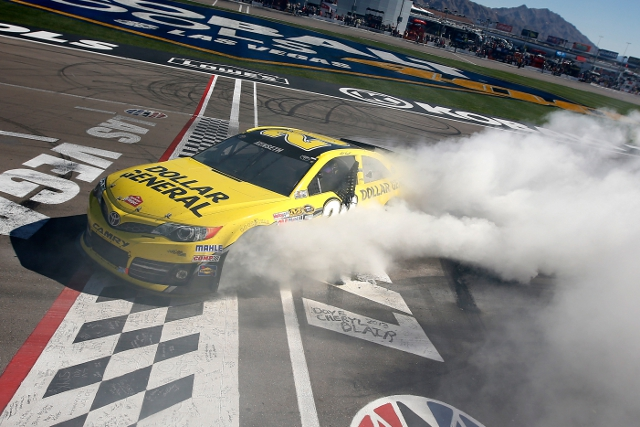 Pit strategy got Kenseth to the lead, and he held off Kasey Kahne for the win (Photo Credit: Nick Laham/Getty Images)