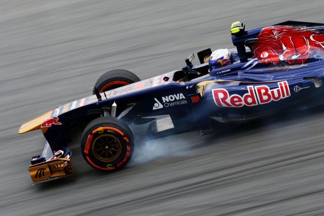 Ricciardo was forced to retire, teammate Vergne collected the final poitn (Photo Credit: Paul Gilham/Getty Images)
