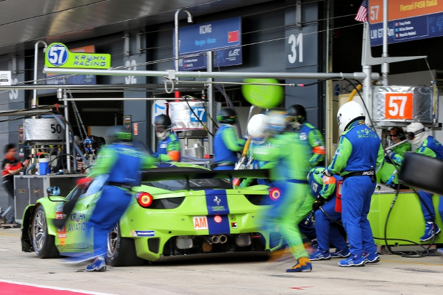 Krohn's familiar green and blue Ferrari (Photo Credit: Alexandre Guillaumot/DPPI)