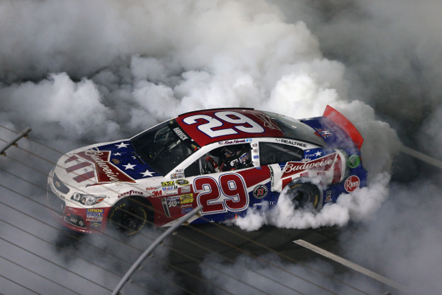 Harvick led through a a later race caution period to take the win (Credit: Streeter Lecka/Getty Images)