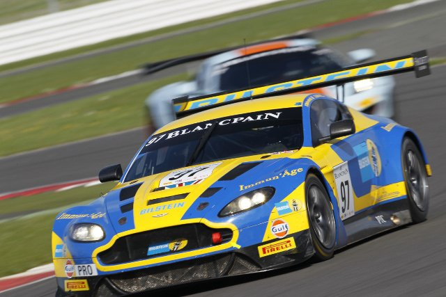 Fred Makowiecki put the Pro class Aston Martin on pole position (Credit: V-IMAGES.com/Fabre)