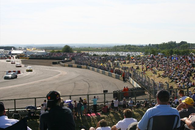 classic croft btcc crowd shot