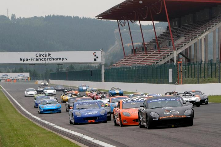 Ginetta GT5 Challenge 2013 Spa start