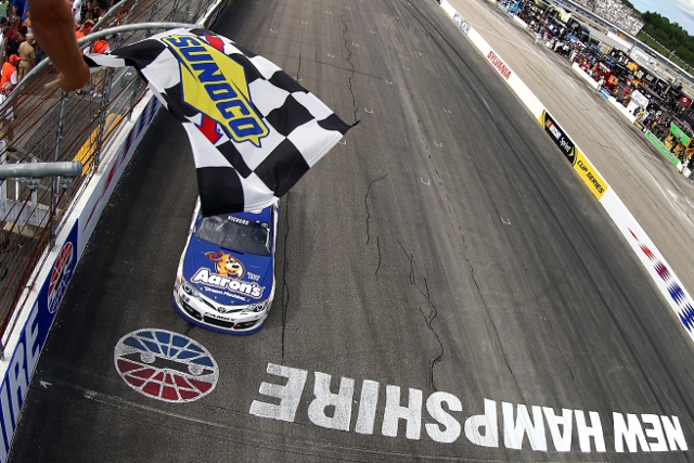 Vickers had to hold the lead on a G-W-C finish (Credit: Jonathan Ferrey/NASCAR via Getty Images)