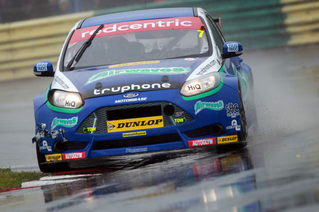 Airwaves Racing - and the rest of the BTCC - return after a wet Croft weekend (Credit: btcc.net)